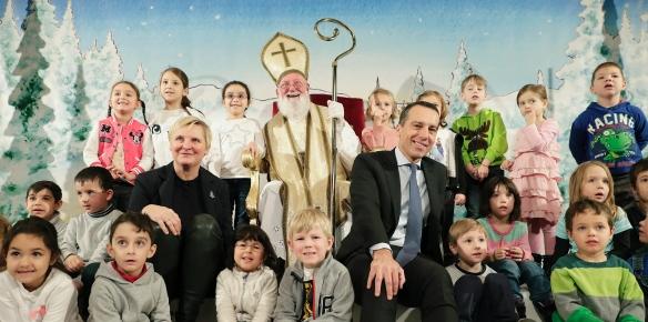 Am 6. Dezember 2016 besuchte Bundeskanzler Christian Kern das Nikolofest mit Kindergartenkindern in der Wiener Bildungsanstalt für Elementarpädagogik.